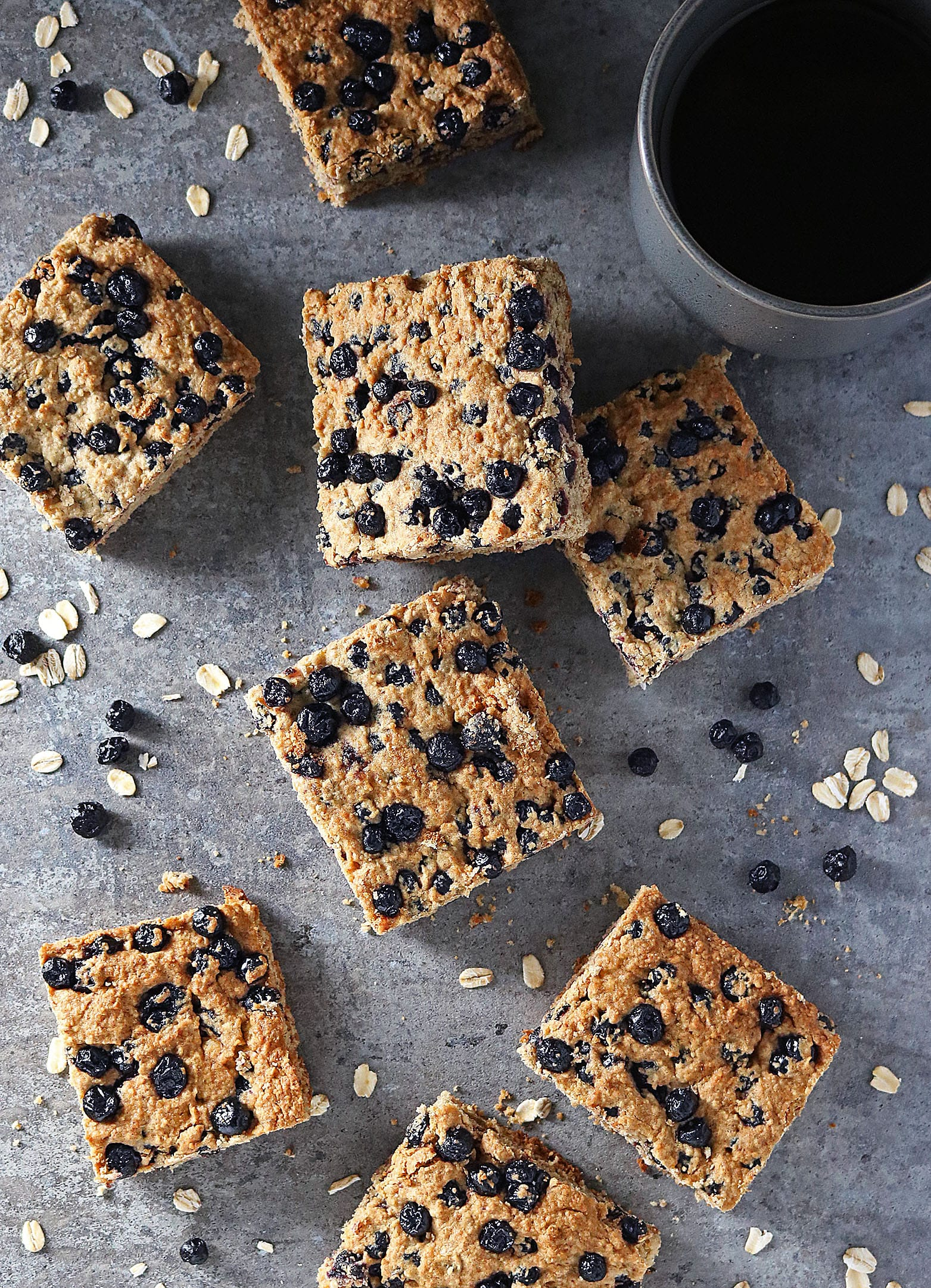 Blender Blueberry Bars and 16 other refined sugar free snacks recipes. Perfect for school snacks, post work out snacks, or whenever you need an easy snack! Get the recipe round-up on naturallysweetkitchen.com #schoolsnacks #healthysnacks #naturallysweetkitchen #preworkoutsnacks #refinedsugarfree