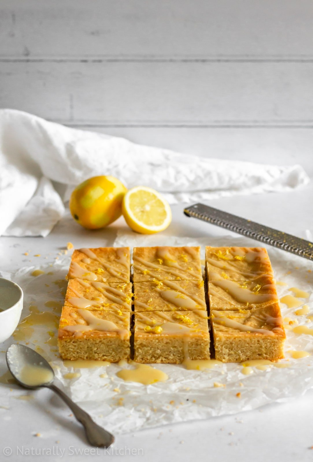 Honey and Lemon Shortbread Bars made without sugar.