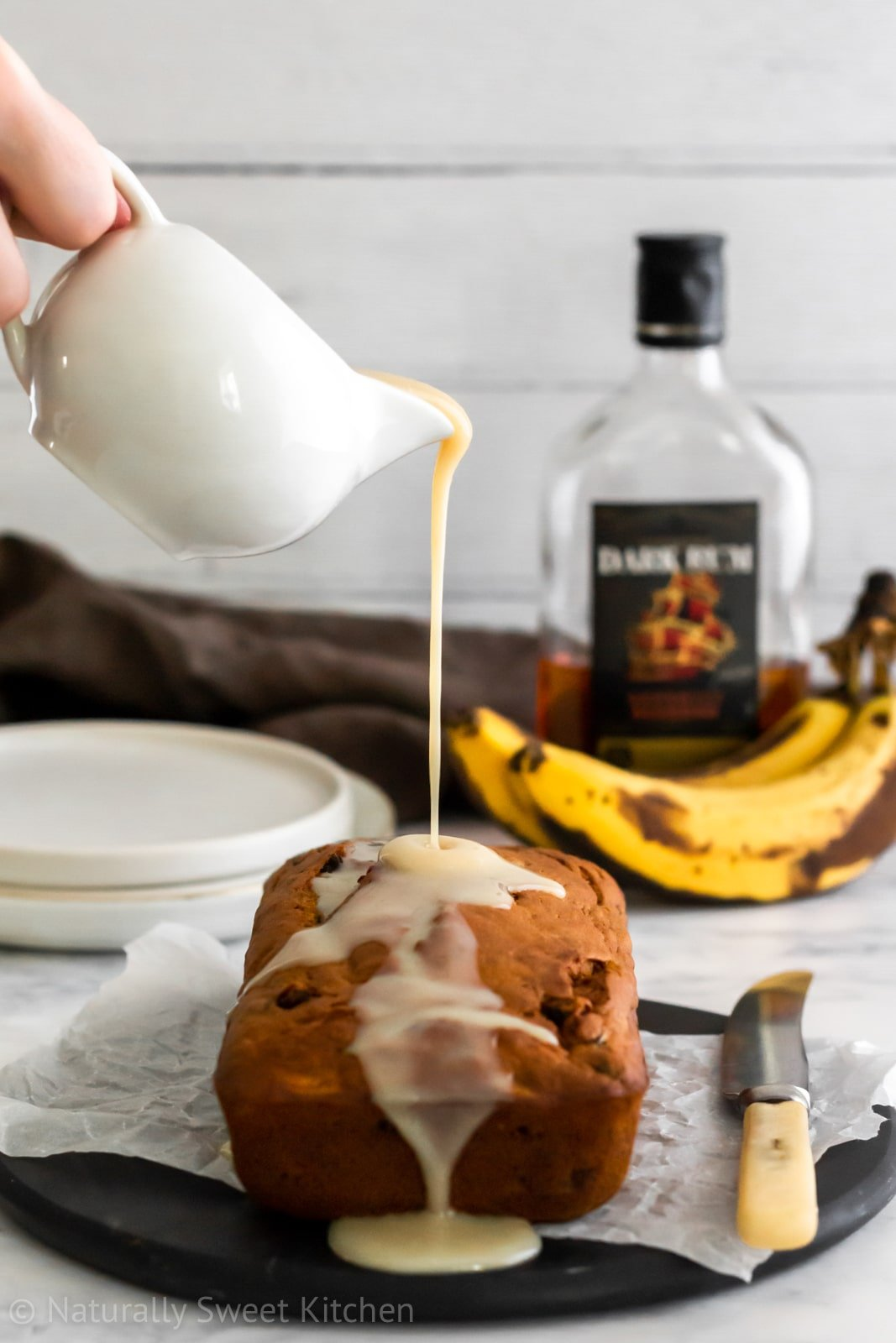 A moist banana bread with the flavours of rum and raisin. Refined sugar free and super quick to make!