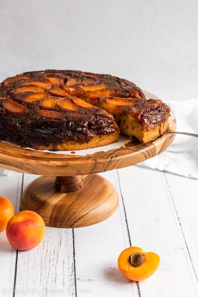 A refined sugar free apricot upside down cake made with almond flour and fresh fruit.