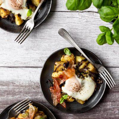 Pesto Breakfast Hash with Prosciutto & Bocconcini